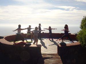 Yoga in der Minigruppe mit Annette Harnisch auf La Palma , Kanarische Insel.