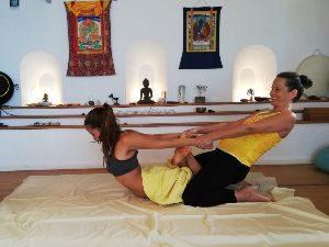 Yoga-Ayurveda massage die Alternative zu einer Ayurveda-Kur für kurz Entschlossene...